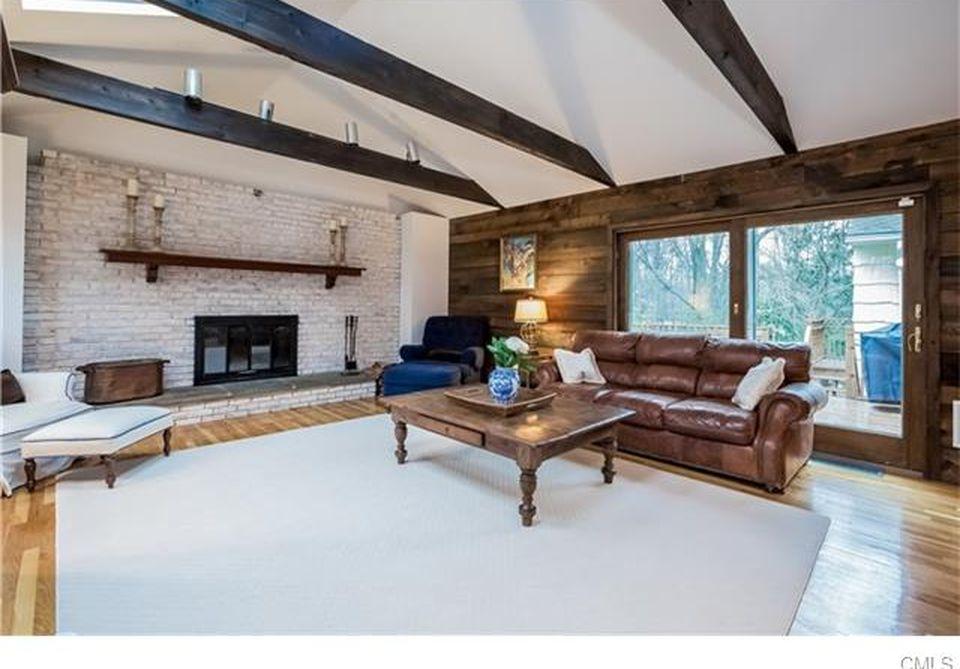 family-room-hillcrest