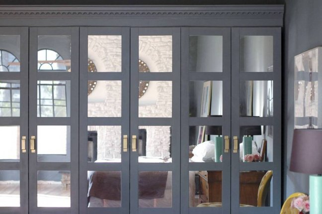 jenny-also-added-mirrors-crown-molding