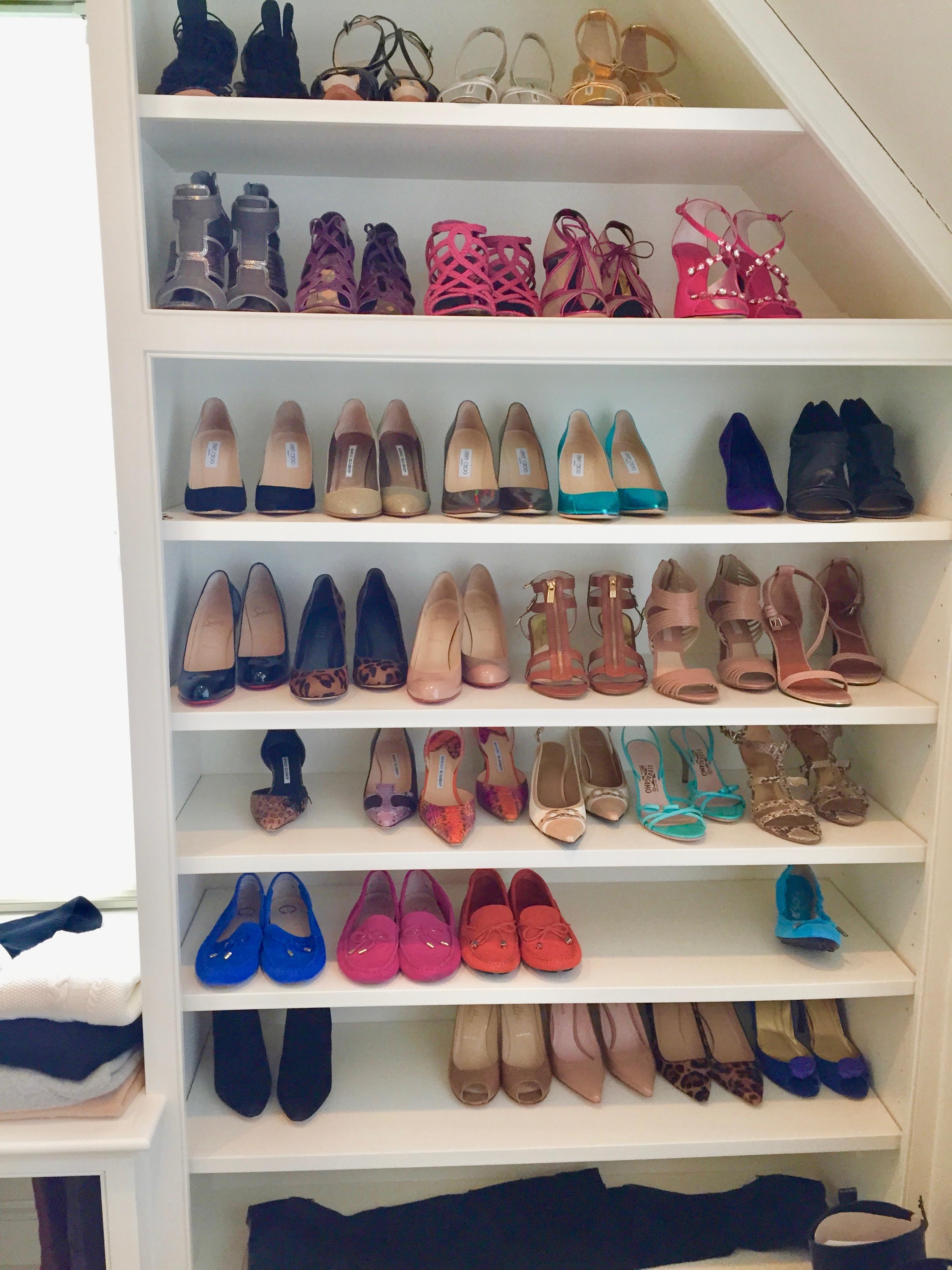Superbe Shoe Closet 2