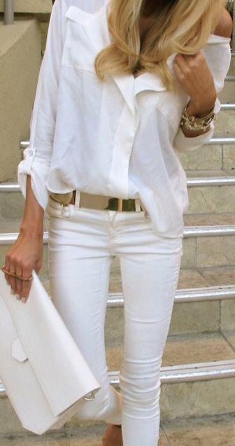 white-shirt-white-jeans