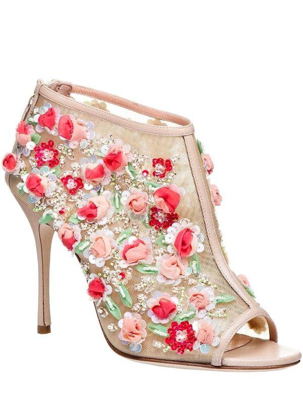 73a0f4cfd30e6281a8f2e78642221672--manolo-blanik-manolo-blahnik-shoes.jpg